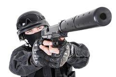 Αστυνομικός SWAT με το πιστόλι Στοκ φωτογραφία με δικαίωμα ελεύθερης χρήσης