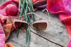 Ασυνήθιστη σύνθεση των γυαλιών ηλίου Στοκ Φωτογραφία