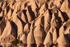 Ασυνήθιστοι ρόδινοι βράχοι σε Cappadocia Στοκ φωτογραφία με δικαίωμα ελεύθερης χρήσης
