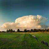 Ασυνήθιστο σύννεφο στοκ φωτογραφίες