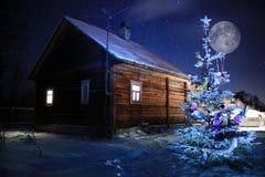 Ασυνήθιστο τοπίο χειμερινών χωριών Στοκ Εικόνα