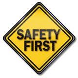 Ασφάλεια πρώτος σημαδιών Στοκ φωτογραφία με δικαίωμα ελεύθερης χρήσης