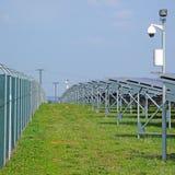Ασφάλεια των εγκαταστάσεων ηλιακής παραγωγής ενέργειας Στοκ εικόνες με δικαίωμα ελεύθερης χρήσης