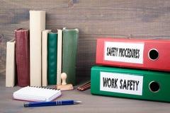 Ασφάλεια εργασίας και διαδικασίες ασφάλειας Σύνδεσμοι στο γραφείο στο γραφείο πρόσθετη επιχειρησιακή μορφή ανασκόπησης Στοκ εικόνες με δικαίωμα ελεύθερης χρήσης