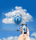Ασφάλεια δεδομένων σύννεφων και τηλεφωνική ασφάλεια Στοκ φωτογραφίες με δικαίωμα ελεύθερης χρήσης