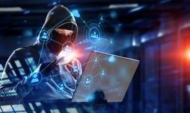 Ασφάλεια δικτύων και έγκλημα μυστικότητας Μικτά μέσα στοκ εικόνα με δικαίωμα ελεύθερης χρήσης
