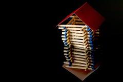 Ασφάλεια πυρκαγιάς Ξύλινη ασφάλεια σπιτιών στεγάστε το χρηματοκιβώ&tau Στοκ φωτογραφία με δικαίωμα ελεύθερης χρήσης