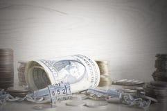 Ασφαλής ασφαλής αλυσίδα που κλειδώνεται των λογαριασμών δολαρίων piggy αποταμίευση τοποθέτησης χρημάτων τραπεζών Στοκ Εικόνα