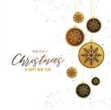 Ασφαλίστρου χρυσό Χριστουγέννων υπόβαθρο χαιρετισμού σφαιρών εποχιακό Στοκ εικόνα με δικαίωμα ελεύθερης χρήσης