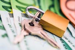 Ασφαλής κατάθεση χρημάτων μετρητών στοκ εικόνες