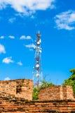 Ασύρματη τεχνολογία κεραιών TV ιστών πύργων τηλεπικοινωνιών Στοκ Εικόνα