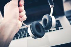 Ασύρματο στερεοφωνικό σύνολο ακουστικών στοκ εικόνες