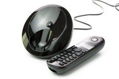 Ασύρματο τηλέφωνο με το σταθμό χρέωσης Στοκ φωτογραφία με δικαίωμα ελεύθερης χρήσης