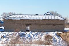 Ατελές σπίτι τούβλου το χειμώνα Στοκ Εικόνες