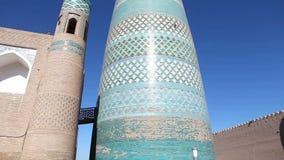 Ατελής μιναρές Muhammad Amin Khan μιναρών Kalta δευτερεύων Khiva, Ουζμπεκιστάν απόθεμα βίντεο