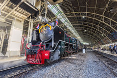 Ατμομηχανή ατμού που επιδεικνύεται για το σιδηροδρομικό σταθμό της Μπανγκόκ, 100η επέτειος του σταθμού της Hua Lamphong Στοκ φωτογραφία με δικαίωμα ελεύθερης χρήσης