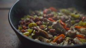Ατμός πέρα από την έτοιμη κινηματογράφηση σε πρώτο πλάνο fajita Μεξικάνικα τρόφιμα βίντεο φιλμ μικρού μήκους