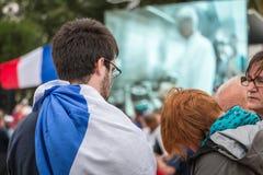 Ατμόσφαιρα του οπαδού ποδοσφαίρου σε μια ζώνη ανεμιστήρων κατά τη διάρκεια τελικού Στοκ Εικόνες