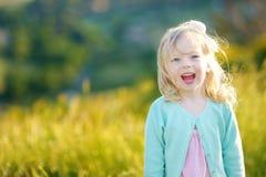 λατρευτό πορτρέτο κοριτ&sig Στοκ φωτογραφίες με δικαίωμα ελεύθερης χρήσης