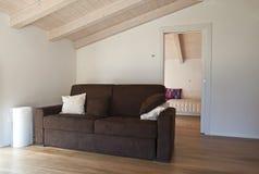 αττικό σύγχρονο δωμάτιο Στοκ φωτογραφία με δικαίωμα ελεύθερης χρήσης