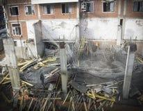 Ατύχημα κατάρρευσης σε ένα εργοτάξιο οικοδομής Στοκ φωτογραφία με δικαίωμα ελεύθερης χρήσης