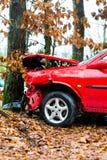 Ατύχημα - το αυτοκίνητο συνέτριψε στο δέντρο Στοκ εικόνες με δικαίωμα ελεύθερης χρήσης
