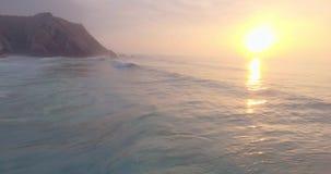 ατλαντικός όμορφος ωκεανός Κανάριων νησιών πέρα από το ηλιοβασίλεμα φιλμ μικρού μήκους