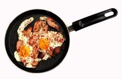 Αυγά και κοτόπουλο Στοκ εικόνες με δικαίωμα ελεύθερης χρήσης