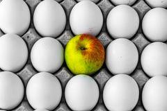 Αυγά και Apple Στοκ εικόνα με δικαίωμα ελεύθερης χρήσης