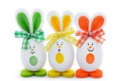 Αυγά με μορφή των κουνελιών στο άσπρο υπόβαθρο Στοκ εικόνα με δικαίωμα ελεύθερης χρήσης