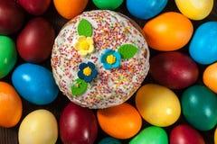 αυγά Πάσχας κέικ στοκ εικόνες με δικαίωμα ελεύθερης χρήσης