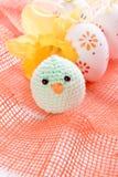 Αυγά Πάσχας και νεοσσός Στοκ Φωτογραφία
