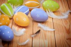 Αυγά Πάσχας και plumelets Στοκ εικόνες με δικαίωμα ελεύθερης χρήσης