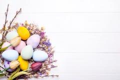 Αυγά Πάσχας που χρωματίζονται στα χρώματα Στοκ φωτογραφίες με δικαίωμα ελεύθερης χρήσης