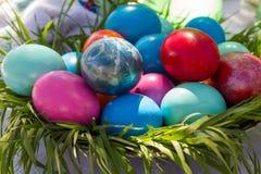 αυγά Πάσχας που χρωματίζονται Στοκ Εικόνα