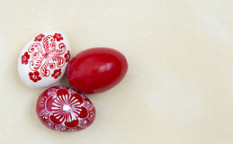 αυγά Πάσχας που χρωματίζονται Στοκ Φωτογραφία