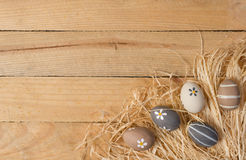 Αυγά Πάσχας σε καθαρό Στοκ Εικόνες