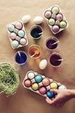 Αυγά Πάσχας στον πίνακα Στοκ Εικόνα