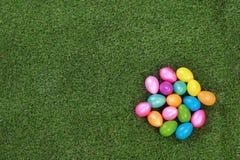 Αυγά Πάσχας στο λιβάδι Στοκ εικόνα με δικαίωμα ελεύθερης χρήσης