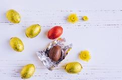 αυγά Πάσχας σύνθεσης σοκολάτας Στοκ φωτογραφία με δικαίωμα ελεύθερης χρήσης