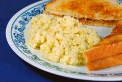αυγά που ανακατώνονται Στοκ Φωτογραφία
