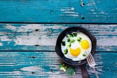 αυγά προγευμάτων που τηγ Στοκ Φωτογραφία