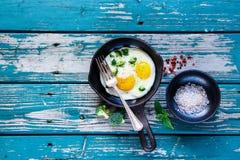 αυγά προγευμάτων που τηγ Στοκ φωτογραφίες με δικαίωμα ελεύθερης χρήσης