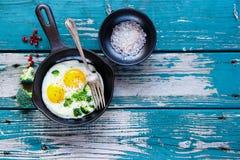 αυγά προγευμάτων που τηγ Στοκ Εικόνες