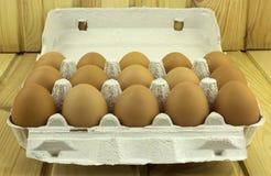 Αυγά σε ένα κιβώτιο στοκ εικόνα
