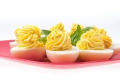 Αυγά τη μαγιονέζα που διακοσμείται με Στοκ φωτογραφίες με δικαίωμα ελεύθερης χρήσης