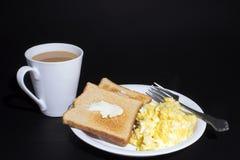 Αυγά, φρυγανιά και καφές στοκ εικόνες