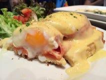 Αυγά Benedict Salmon στοκ εικόνα με δικαίωμα ελεύθερης χρήσης