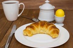 Αυγό και croissant Στοκ Φωτογραφίες