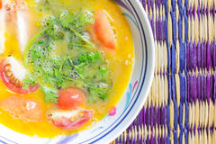 Αυγό με το μαϊντανό και την ντομάτα Στοκ εικόνα με δικαίωμα ελεύθερης χρήσης